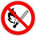 Знак безопасности P02 Запр.польз.откр.огнем и курить(плёнка,200х200)